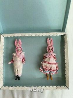 2 antique porcelain dolls in the O. K. Gebrüder Kühnlenz