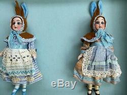 2 antique porcelain dolls in the O. K Kühnlenz brothers brown