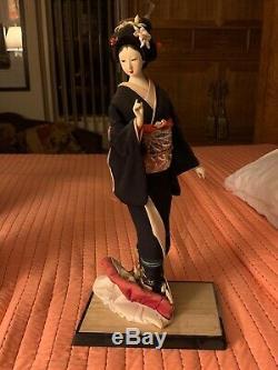 Beautiful Geisha Doll -Traditional Fans-Porcelain Authentic, Exquisite, vintage