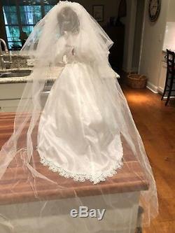 Beautiful Vintage Hamilton Collection RareCamillePorcelain Bride wedding doll