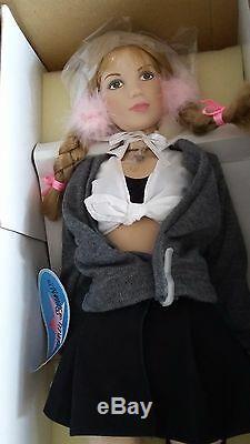 Britney Spears Celebrity Doll Ltd Ed All Porcelain Coa Vintage Rare New 18