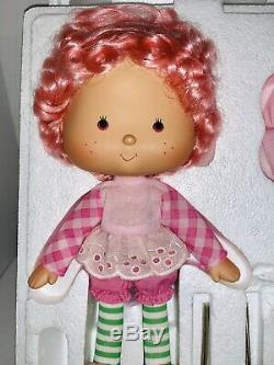 Danbury Mint Rare Raspberry Tart 10 Porcelain Doll NIB Strawberry Shortcake