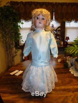 EARLY 1900's 24 QUEEN LOUISE JOINTED BODY BISQUE PORCELAIN DOLL WITH VINTAGE C