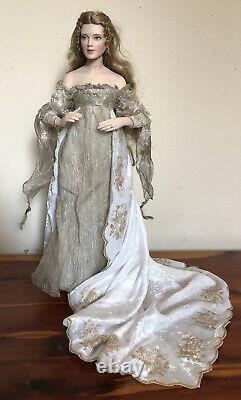 Franklin Mint Heirloom Queen Guinevere of Camelot Porcelain Doll Vtg Rare 18