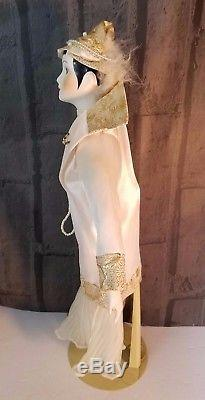 French boudoir Porcelain Dolls Paris Gatsby Flapper outfit On Stand 17 Vintage