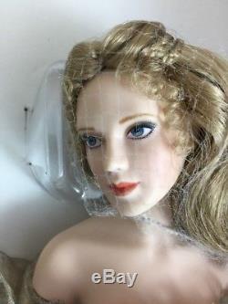 Guinevere Franklin Mint Heirloom Dolls Porcelain Camelot Collection Vintage RARE