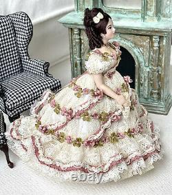 MINIATURE DOLLHOUSE DOLL ARTISAN HELEN COHEN PORCELAIN LADY Stunning