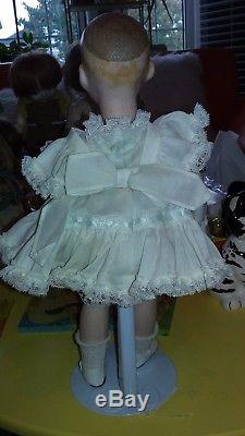 VINTAGE GOOGLY EYE 1978 BISQUE DOLL LOIS MOORE PEANUT DOLL WithTAG