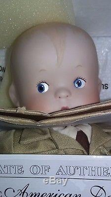 VINTAGE USPS LIMITED ED. SKIPPY PORCELAIN 1998 AMERICAN STAMP DOLL WithCOA NEW
