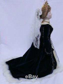 Vintage 1986 Empress Doll by Igor Carl Faberge Porcelain Alexandra Czarina