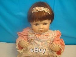 Vintage 1990 Collectors Baby Doll Sara Hamilton Heritage Dolls Porcelain Coa