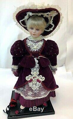 Vintage 1992 RARE Thelma Resch Designer Guild Kendra Pink Eyes 24 Doll 58/2000