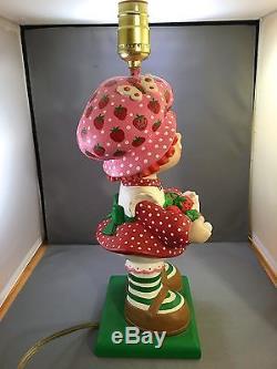 Vintage Strawberry Shortcake Lamp Ceramic Superior Statuary 1981 Child Decor