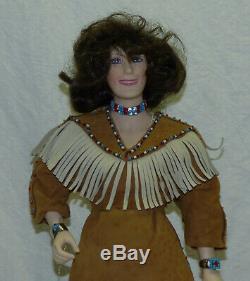 Vtg 1987 Porcelain 19 Loretta Lynn Franklin Mint Heirloom Doll with Stand & Tag
