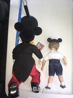 Vtg Walt Disney Ashton Drake A Hug For Mickey Mouse Porcelain Doll Set Rare HTF