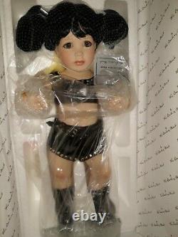 Wwf Little Chyna Porcelain Doll Danbury Mint New In Box Vintage Wwe 14