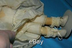 10 Artiste Doux Julia Nails Vintage Jumeau Reproduction Bisque Doll & Habillement