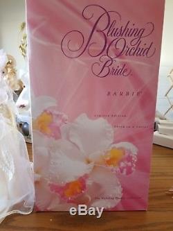1996 Barbie De La Mariée Orchidée Rougissante La Mariée Fleur En Porcelaine Menthe Vintage