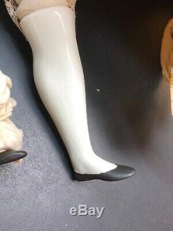 27 Antique Porcelaine Allemande Fait De La Chine Head Doll Black Hair & Bisque Mains #l