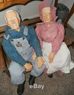 36 Vintage Grand-père Et Grand-mère Poupées Avec Deux Places Rocker Banc
