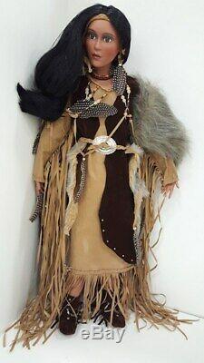 A21 Collection Timeless Princesse Amérindien Porcelain Doll Artiste +