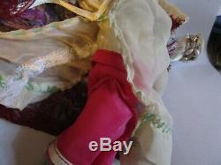Am 8 Poupée Vintages Orientaux Avec Des Chaussures Peintes Et Des Bas
