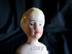 Antique Allemand 6.5 Porcelaine Dollhouse Doll House Fabriqué En Allemagne