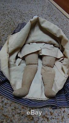 Antique Allemand C 1840 Chine Porcelaine Tête Et Épaules Poupée De Musée De Doll