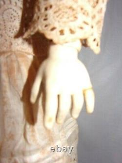 Antique Allemand Heinrich Handwerk Porcelain Doll Composition Body 24 Rare Vgc