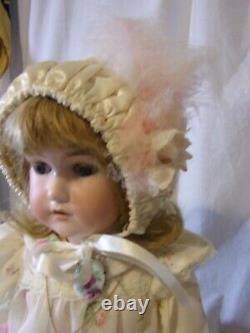 Antique Allemande C M Bergman Porcelain Doll 24 Avec Bleu Blond Entièrement Jointé