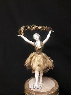 Antique Français Bonbonnière Avec Une Porcelaine Galluba Et Hoffman Ballerina Figure O
