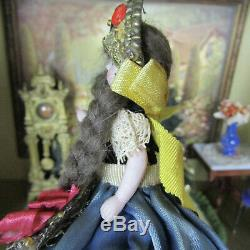 Antique Mignonette Doll Verre Yeux Hongroise Robe De Mariée Bisque Porcelaine Allemande