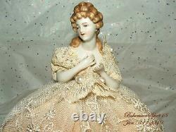 Antique Porcelaine De Chine Allemagne Demi Une Poupée Perles De Dentelle Robe Lampe Shade