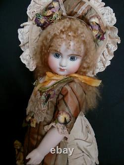 Antique Reproduction Porcelaine Poupée Par Mary Lambeth