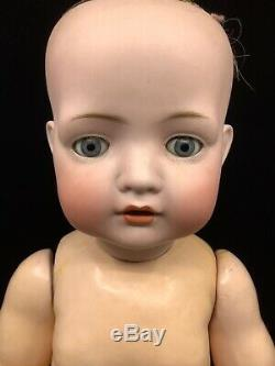Big Bahr Et Proschild Baby Doll. 22 De Haut. Tête Buste En Biscuit De Porcelaine