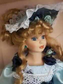 Collection Souvenirs Vintage Edition Handcrafted Porcelain Doll Sandra Rare