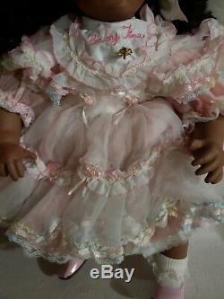 Collection Vintage Bébé Tina Porcelaine Poupée Afro-américaine Nn Lot 253