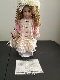 Daniela Par Pat Loveless Pour Designer Guild 18 Antique Porcelain Doll 65/2000