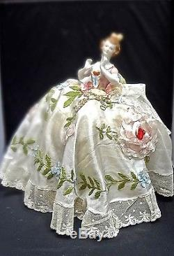 Demi Poupée De Porcelaine Vintage Exquis Avec Robe De Travail Ruban Victorien Antique Lg