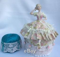 Demi-poupée En Porcelaine Allemande Vtg Avec Pattes, Coussin Traditionnel Allemand