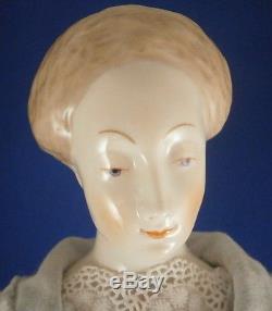 Figure De Figurine De Porcelaine Poupée En Porcelaine De Chine De Nymphenburg