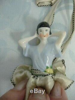 Half Doll Plumeau Vintage Deco Porcelaine