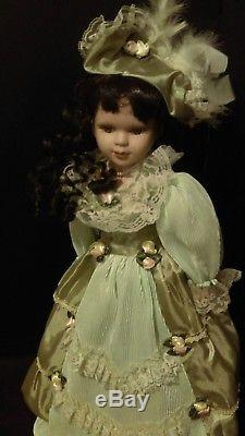 Haunted Antique / Vintage Porcelain Spirit Activité Dollanique Paranormal