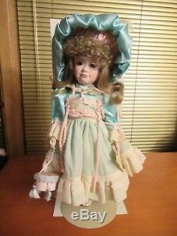 La Poupée Walker, Fine Porcelain Vintage, L'artiste Vickie Walker # 86/350