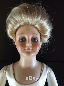 Marianne De Nunez Porcelaine Chef Kid Corps 1975 Doll