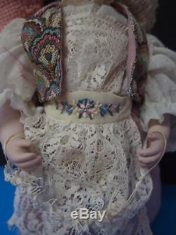 Mitzi International-suède- Dolls Par Jerri Mccloud 16 Retiré Vintage Doll