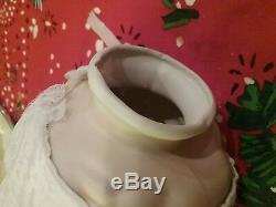 Poupée En Porcelaine Vintage À Trois Faces En Forme De Biscuit 3