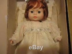 Poupée Lynette En Porcelaine Horsman Robe Jaune Vintage, Collier Coeur, Ha