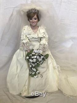 Poupée Princesse Diana Mariée Vintage Danbury Mint 1987 Avec Demoiselle D'honneur Assortie