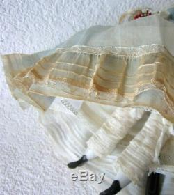 Poupée Ruth Gibbs En Céramique De Porcelaine Millésime-première Robe Élégante 14